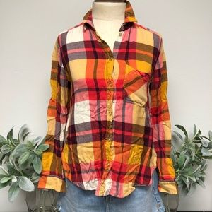 American Eagle Plaid Button Down Long Sleeve Top